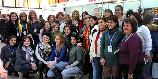Gruppe von Frauen auf der SAU Messe